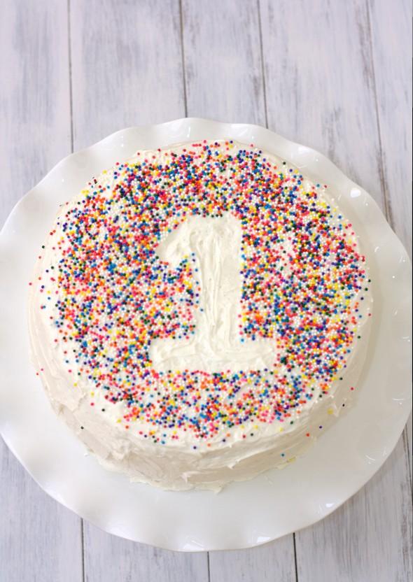 first-birthday-cake_76192-e1421210032923