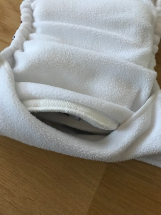 taskuava on ees osas ja kaetud